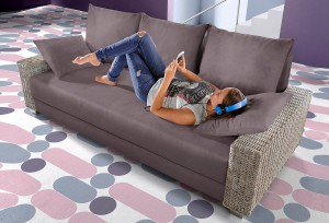 inosign-schlafsofa-in-flachgewebe-grau-mit-rattan-armteilen-zum-schnaeppchenpreis